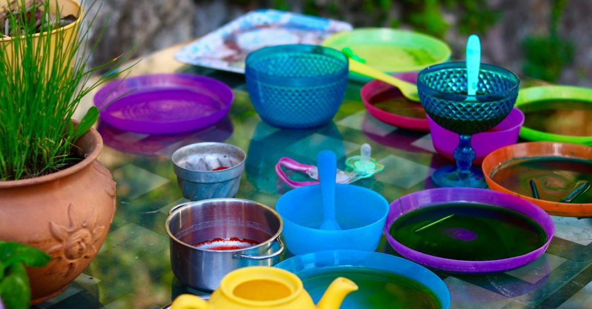 2 Oz Plastic Cups: Information On Plastic Tea Cups For Tea Party