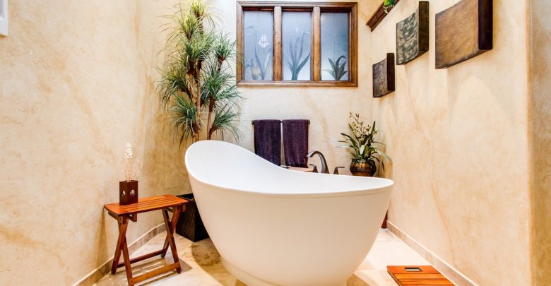 Photo of How To Accessorize A Bathroom With A New Vintage Bathtub